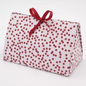 Boites cadeaux blanche à pois rouge idéal pour la fête des mères ou pour un cadeau pour une femme.