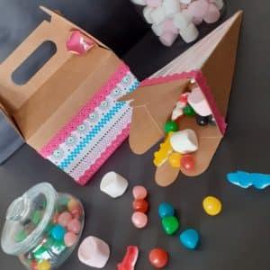 Boites carton kraft surprise pour enfant à personnaliser.