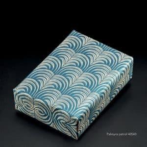 papiercadeau bleu petrol imprimé