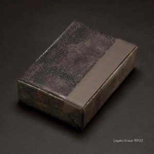 papier cadeau marron aspect cuir. Premium. Luxe.