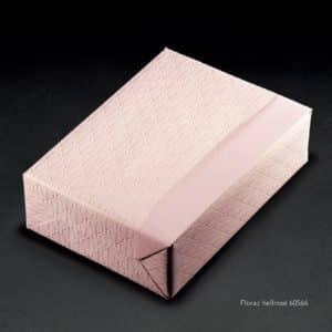 Papier emballage cadeaux couleur rose. Réversible et de qualité luxe. Ecologique.