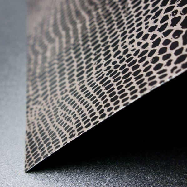 feuille papier cadeau effet cuir texturé