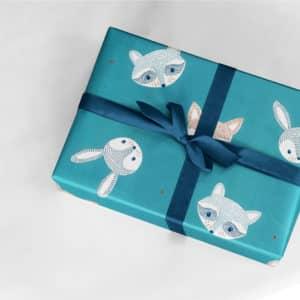 papier cadeau bleu garçon naissance
