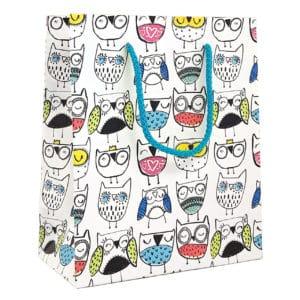 Sacs cadeaux destiné aux enfants. Blanc avec dessins hiboux.